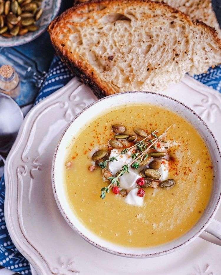 Подаем к обеду! Пять лучших рецептов супов для прохладной погоды