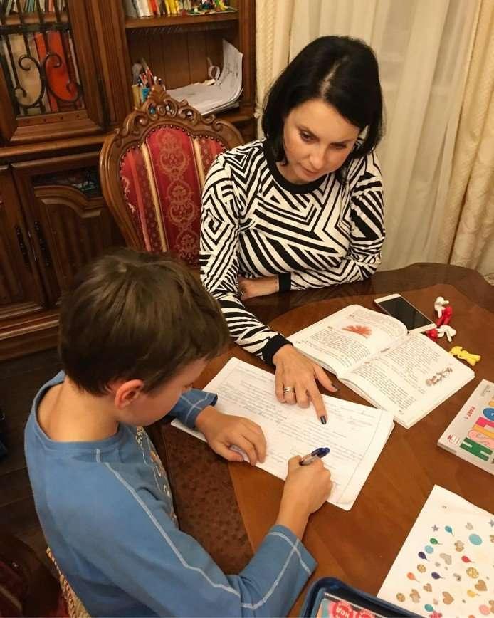 «Отчаянная!»: Ирина Слуцкая метит на ученую степень