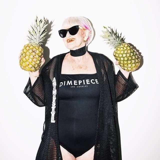 86-летняя модница снялась в рекламе купальников