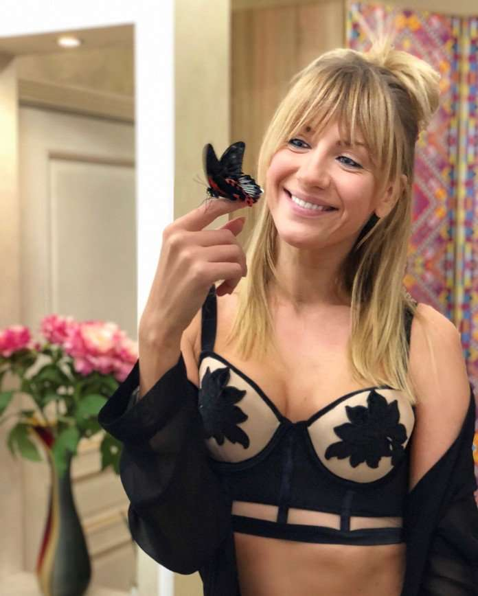«Она ушла из дома?»: Леся Никитюк нашла в подъезде бабочку